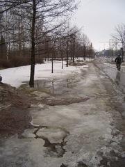 雪解けの街