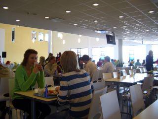フィンランドの学校のカフェテリア